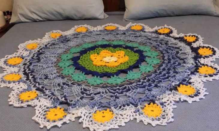 Bed Doily - Full Size Bed